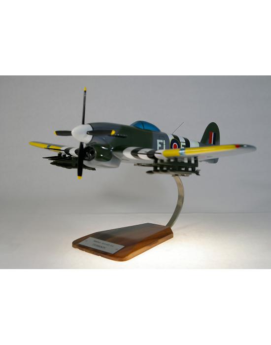 Maquette avion Hawker Typhoon IB 198 Sqn en bois