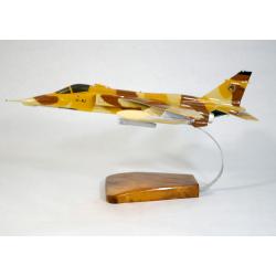 Maquette avion SEPECAT Jaguar A en bois