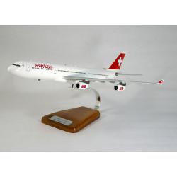 Maquette avion Airbus A340-300 Swiss en bois