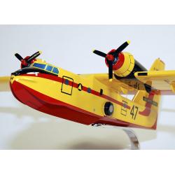 Maquette avion Canadair CL215 Sécurité Civile en bois
