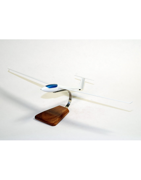 Maquette du planeur ASW 24 en bois