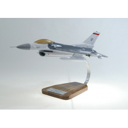 Maquette avion F-16C fighting falcon en bois