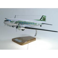 Maquette avion Douglas DC3 T.A.I BJUT en bois