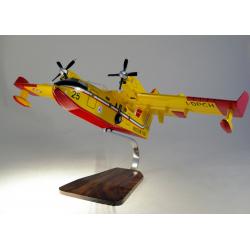 Maquette avion Canadair CL415T Protezione Civile en bois