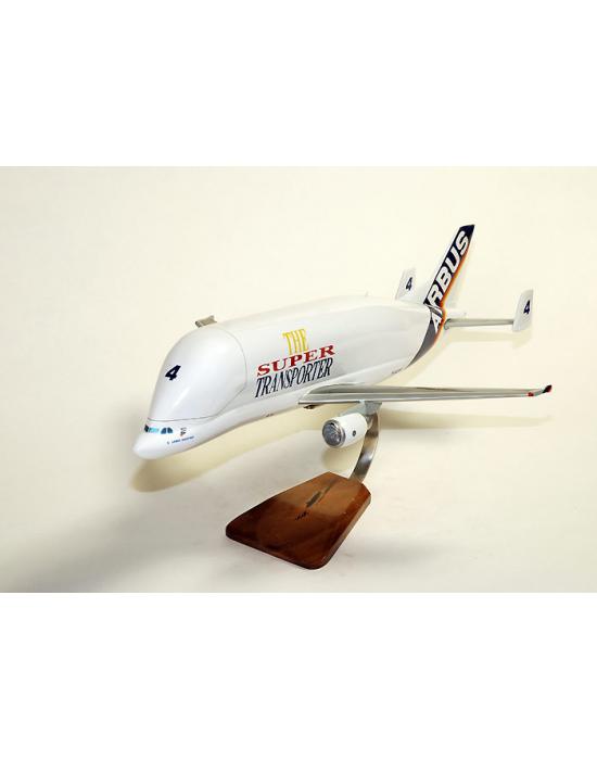'Maquette avion l''Airbus A300-600ST Beluga en bois'