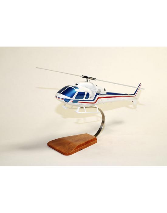 Maquette en bois de l'Ecureuil II AS355 Civil