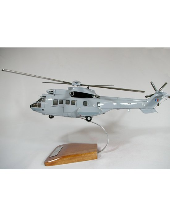 Maquette AS532 Cougar en bois