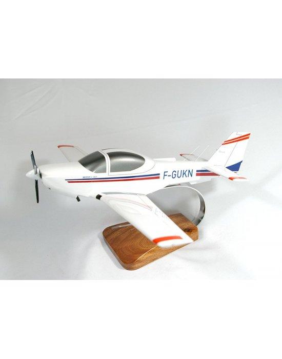 Maquette avion Grob 120A-F en bois