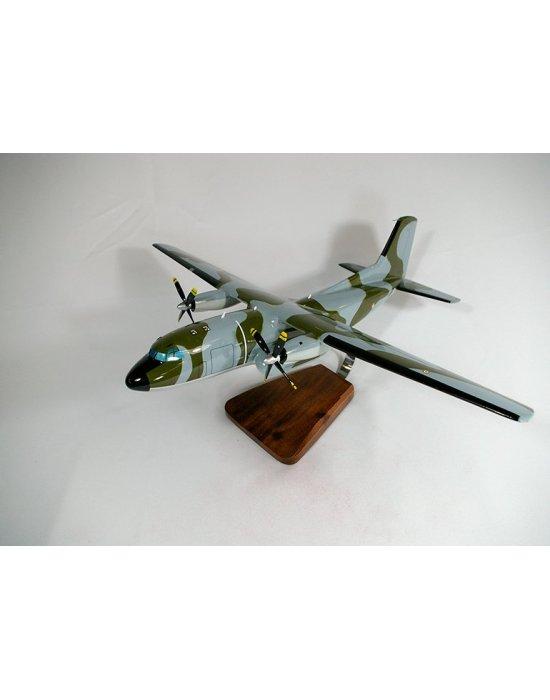 Maquette avion C-160 Transall en bois
