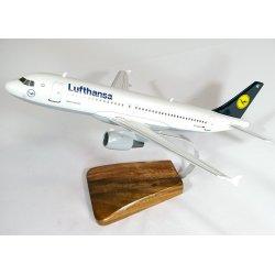 Maquette avion Airbus A320 - 200 Lufthansa en bois