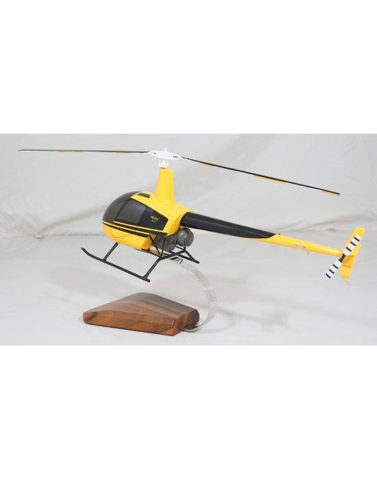 maquette en bois du Robinson R22 béta