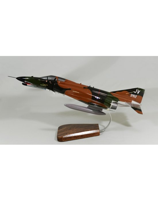Maquette avion McDonnell Douglas F-4 Phantom II en bois