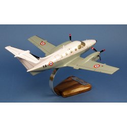 Maquette avion Embraer 121 Xingu EAT 00.319 BA702 Avord en bois