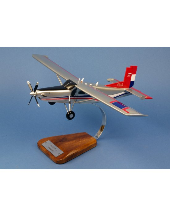 Maquette avion Pilatus PC 6 Turbo Porter en bois