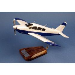 (Prochain arrivage début octobre) Maquette avion Piper PA-28 Arrow II en bois