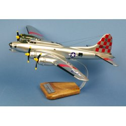 Maquette avion B-17G Flying Fortress 'Betty Jo' 550thBS/385thBG en bois
