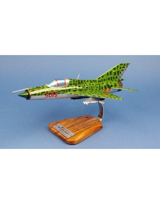 Maquette avion Mig 21PFM Fishbed VPAF Nguyen Van Coc en bois