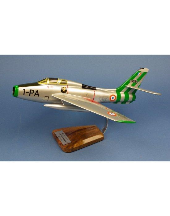 Maquette avion F-84F Thunderstreak EC 3/1 Argonne 1-PA en bois