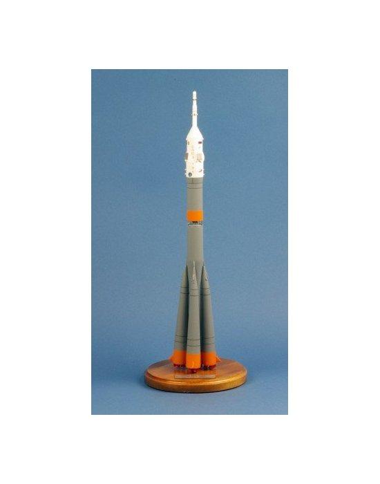 Maquette fusée Soyuz ISS space rocket TMA-06M en bois