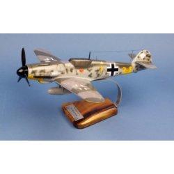 Maquette avion Messerschmitt Bf109G-6 9/.JG52 E.Hartmann en bois